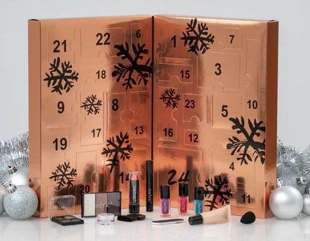 køb en god kalender med make-up til hende